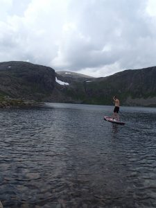 Deano paddles the first ever SUP on Loch Etchachan